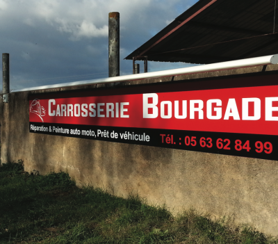 Fabricant d'enseignes publicitaires près de Toulouse.